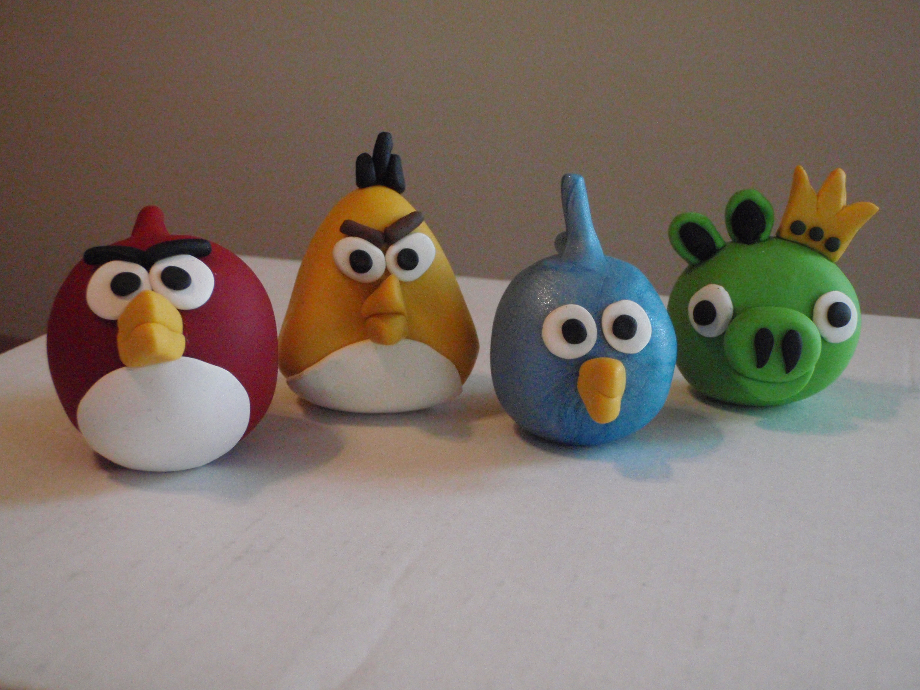 Angry birds cake toppers earl 39 s court designs for Angry birds cake decoration